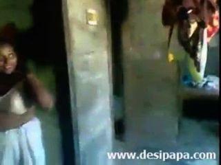 Indian Amateur Mallu Bhabhi Bigtits Boobs