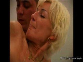 Mutter Und Sohn Haben Sex In Der Badewanne [ Www.porno-sexfilme.com ]