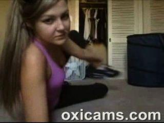 Cute Amateur Babe On Webcam Live Sex Show (10)