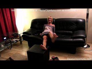 Amanda Soles Play Foot Fetish Video