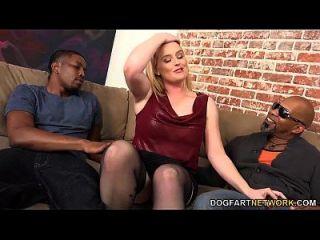 Harmoni Kalifornia Gets Fucked By Three Black Guys