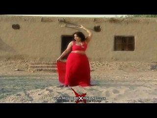Hot Girl Sheeza - New Pakistani Mujra 2014