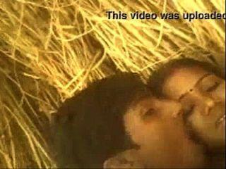 Xtremezone Real Desi Indian Bhabhi Fuck In Farm