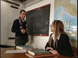 La Prof Di Anatomia...(complete Italian Movie) F70