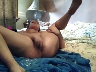 Bbw Goes All Out On Dildo