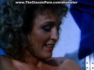 Vintage Lesbi Movie With Hot Chicks