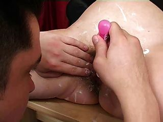 Shaving Milf And Facesitting