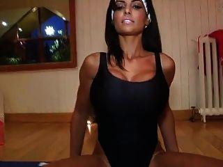 Fernanda Sexy Workout