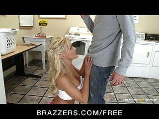 Brazzers - Stunning Blond Girlfriend Tia Mckenzie Bangs