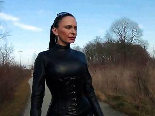 Fetish - Diva Nadja 01