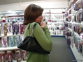 Naughty Girl Leigh Livingston Masturbate In Public