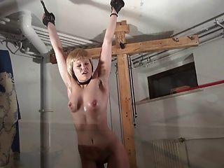 Crucified Women - Modell Karina