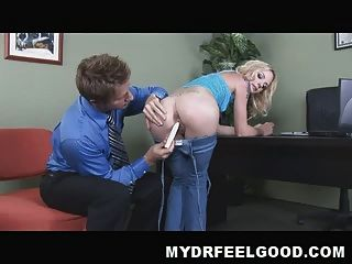 Anal Queen Faye Ask Her Private Shrink To Fuck Her Ass