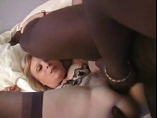 Les Mamies Perverses Broient Du Noir