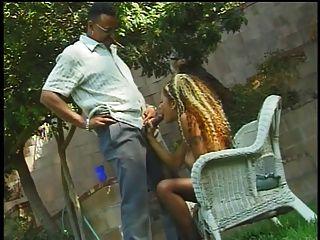 Ebony Prostitute Fucking A Big Fuck Rod