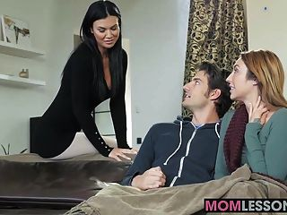 Hot Stepmom Jasmine Jae Walked In And Wanted To Lend A Hand
