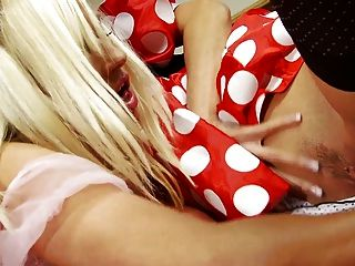 Michelle And Passion Enjoys Drilling Their Pussies With Toys In A Reality Shoot