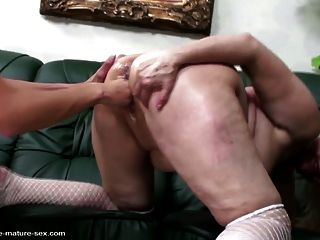 Big Mature Vaginas Get Fisting From Young Girls