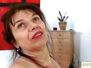 Oma (68) Die Geile Kokusmatte