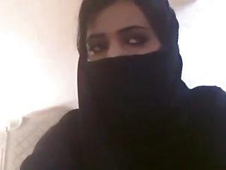 Arab Women In Hijab Showing Her Titties