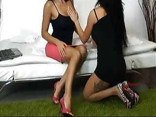 Sofia & Valeria Italian Live Lesbo