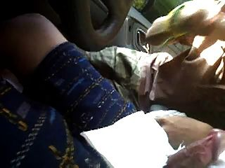Amateur Pinoy Prostitute Sucks In Car