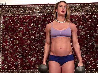 Sporty Milf With Perfect Body