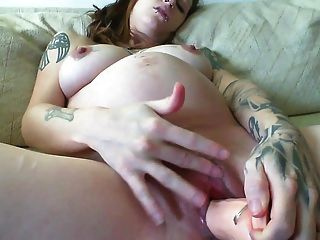 Hot Tattooed Pregnant Getting Off With Dildo