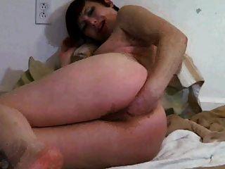 Slut Fists Her Own Asshole !