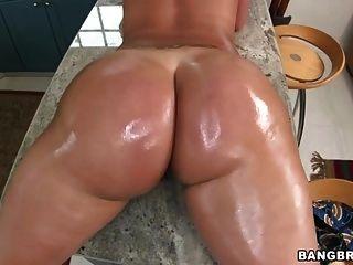 Perfectly Round Ass Vanessa Luna
