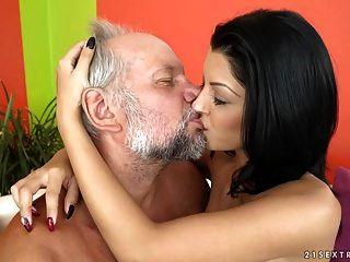 Grandpa Fucks Viven Bell