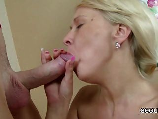 Bro Caught Petite Stepsister And Fuck Her Anal With Big Cock