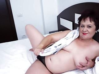 Natural Tits Mature Granny Showing Off Her Juicy Pussy