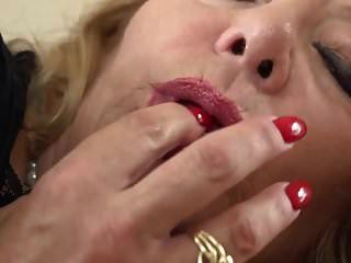 Momma Karen Summers Fingering