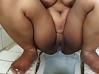 Desi Phudi Peeing