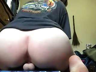 Short But Sweet 13: Fat Ass Amateur Dildo Ride