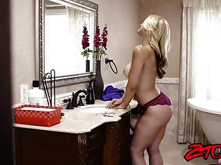 Hot Milf Sarah Vandella Shows Off Her Ass While Riding Cock