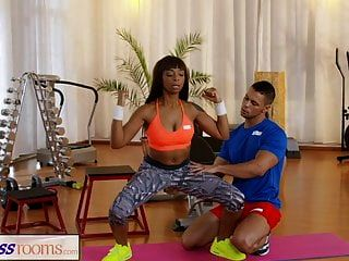Fitness Rooms Gym Cock For Black Bubble Butt Milf