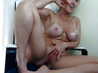 Stunning Milf Masturbating And Squirting On Cam