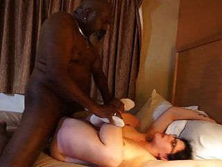 Housewife Not Desperate Anymore With An Old Bbc