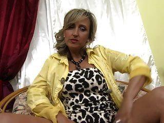 Sexy Mature Mom Next Door Wants A Good Fuck